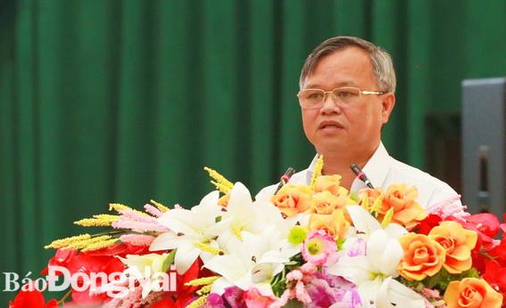 Chủ tịch UBND tỉnh Cao Tiến Dũng báo cáo với Thủ tướng về kết quả giải ngân vốn đầu tư công và và tiến độ triển khai dự án Cảng hàng không quốc tế Long Thành